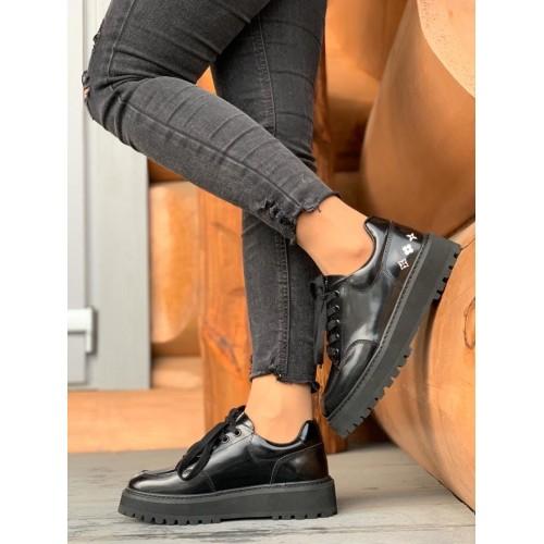 Полуботинки Louis Vuitton Black Patent Leather