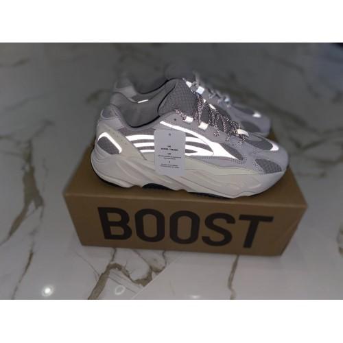 Кроссовки женские Adidas Yeezy Boost 700 - арт.000299