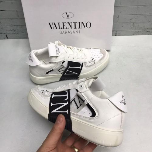 Кроссовки женские Valentino