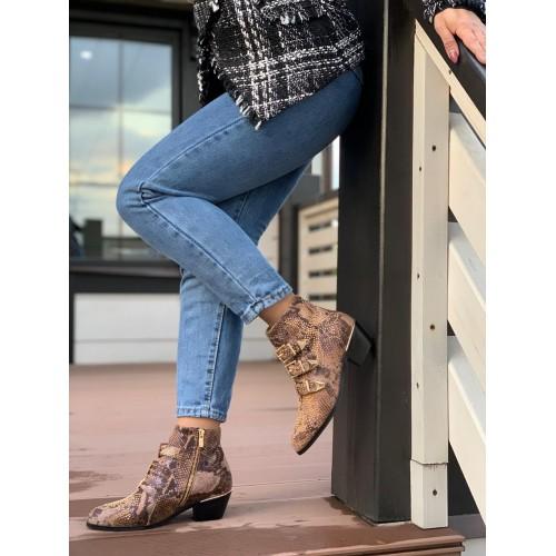 Женские ботинки казаки Chloé