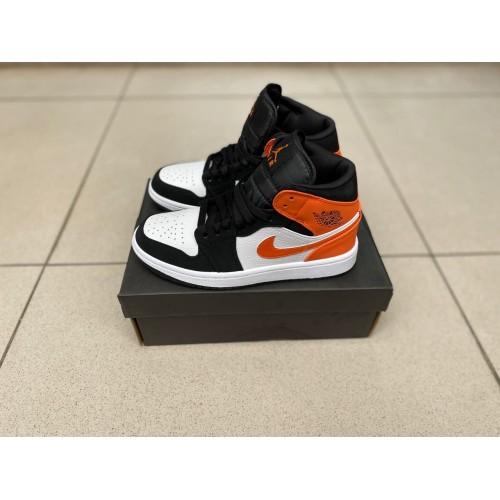 Кроссовки женские Nike Air Jordan 1